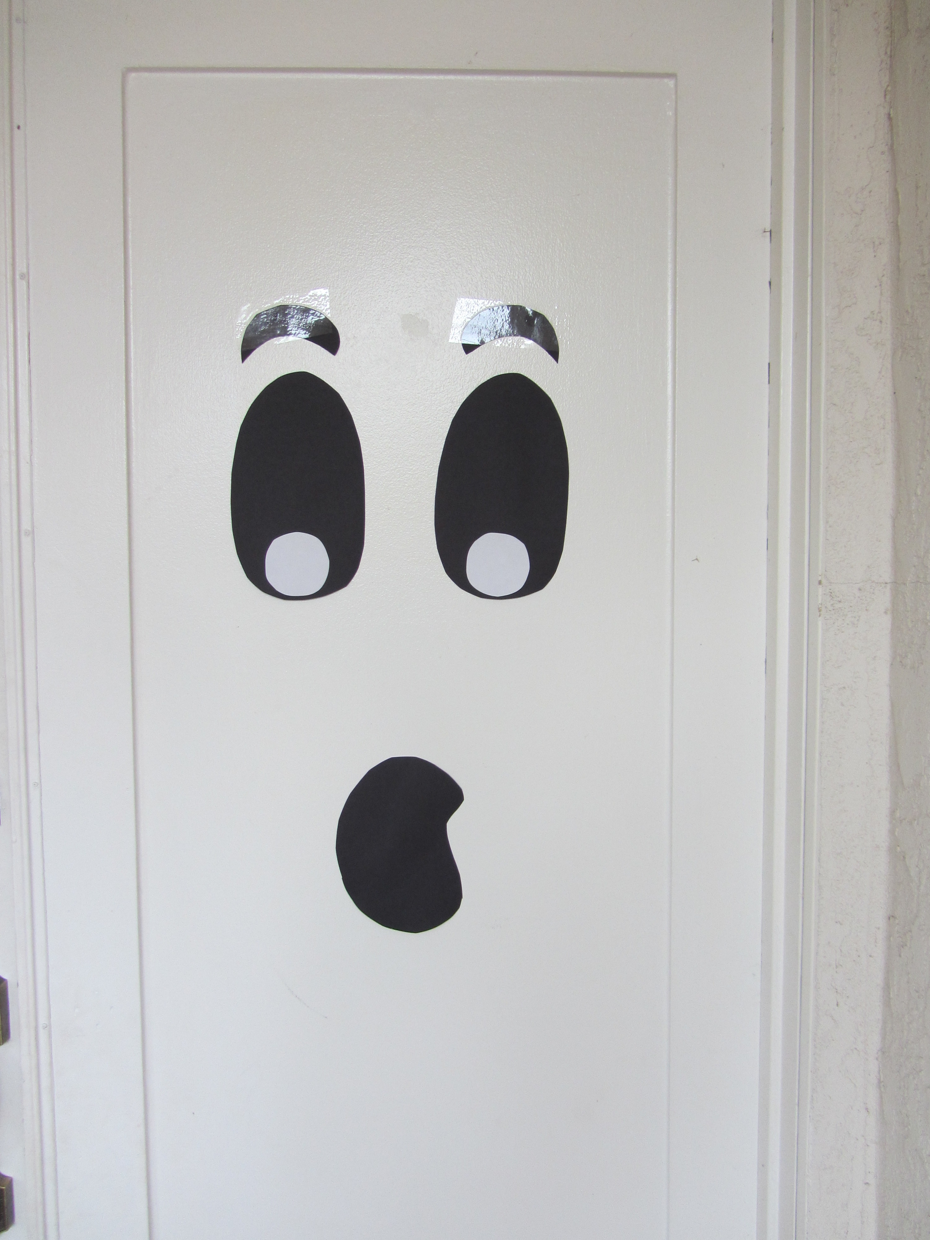 Ghost door & Halloween Inspiration: Silly Monster and Ghost Doors and more ...