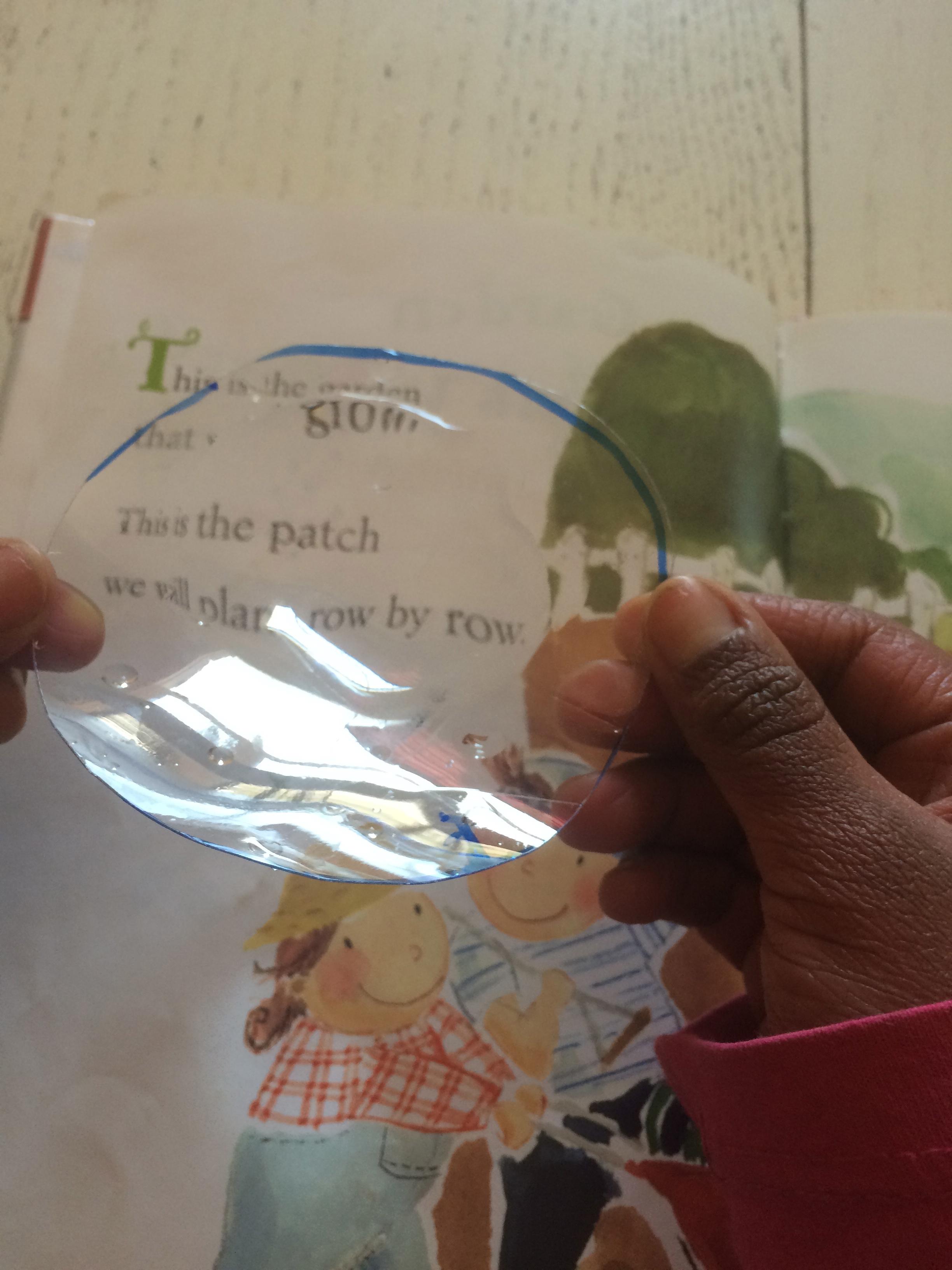 diy magnifying glass green kid crafts. Black Bedroom Furniture Sets. Home Design Ideas