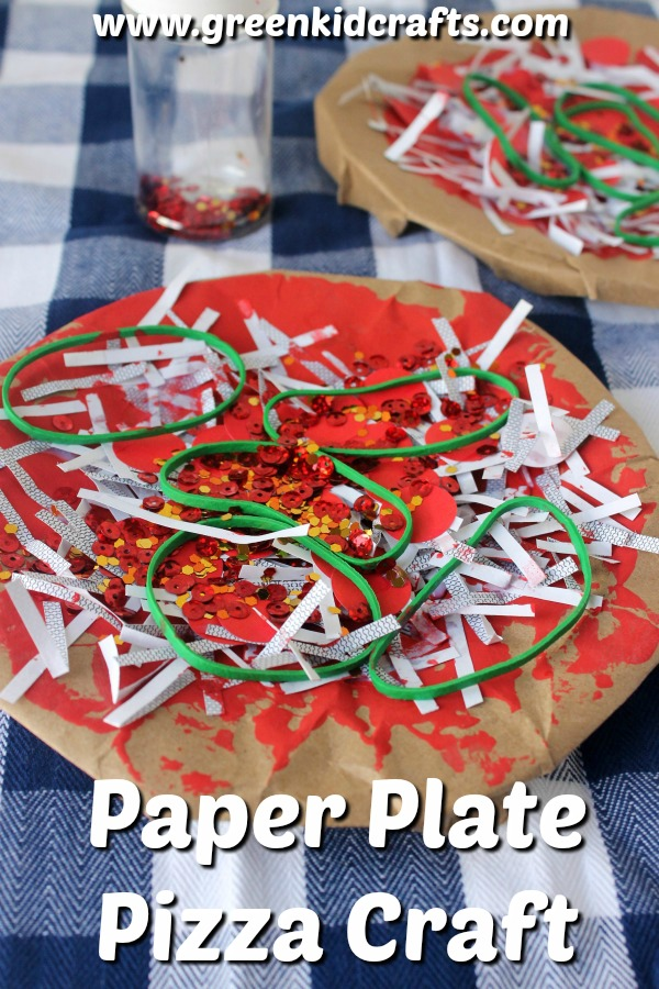 Paper plate pizza craft for kids. Get kids in the kitchen baking with pretend play! Paper plate craft using paper scraps.