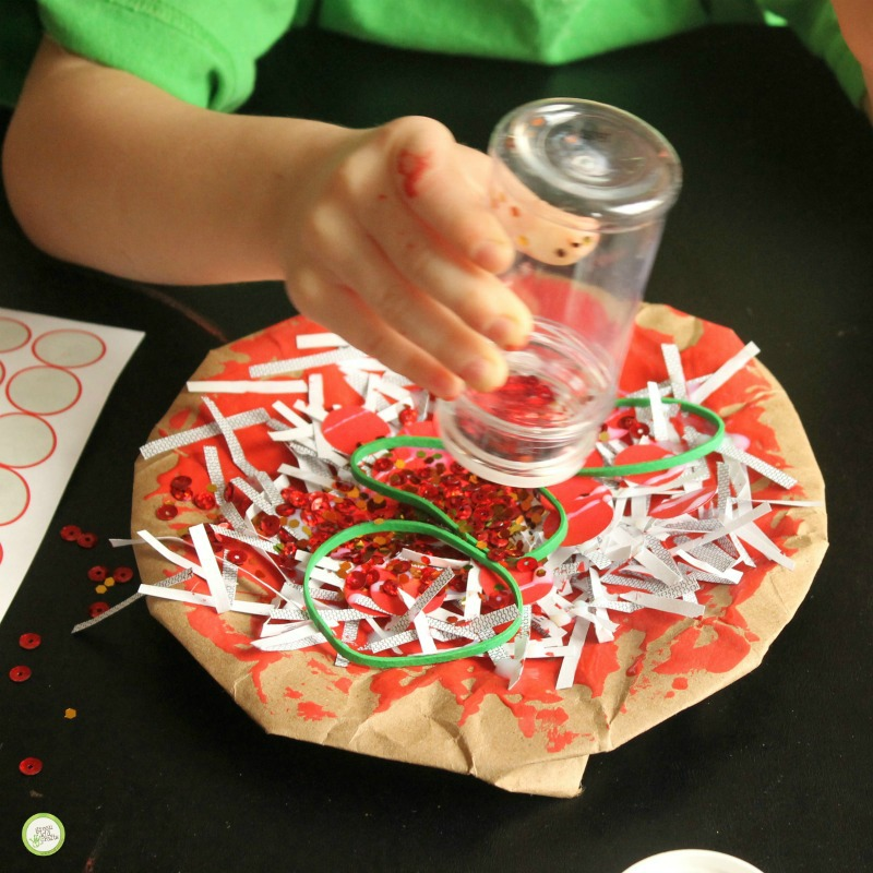 Let the paint and glue dry (we pretended the pizzas had to cook.).u201d This fun paper plate ... & Kid-Made Paper Plate Pizza Craft - Monthly Science and Art Projects ...