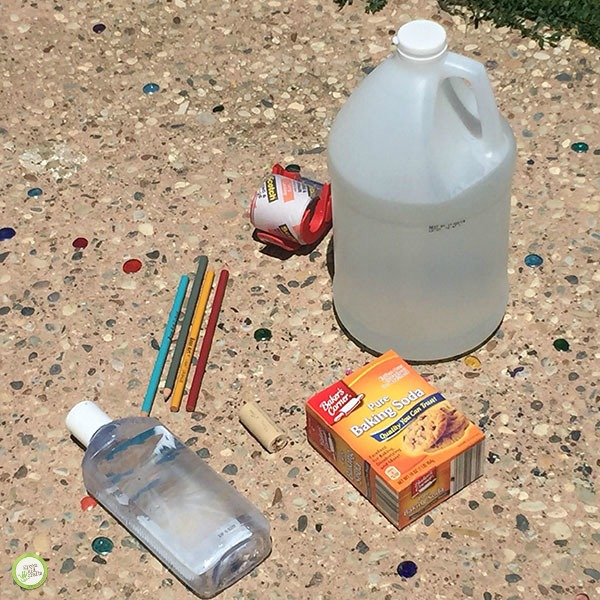 Kids Use Of Technology Soars >> How to make a Rocket from a Plastic Bottle - Monthly Science and Art Projects for Kids | Green ...